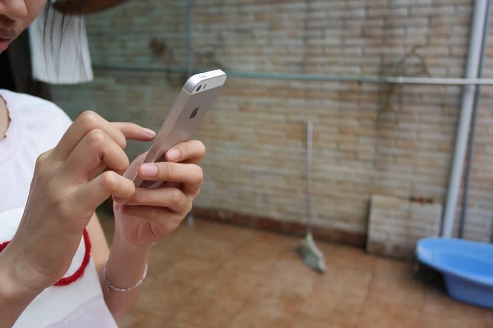 החלפת מסך באייפון S5